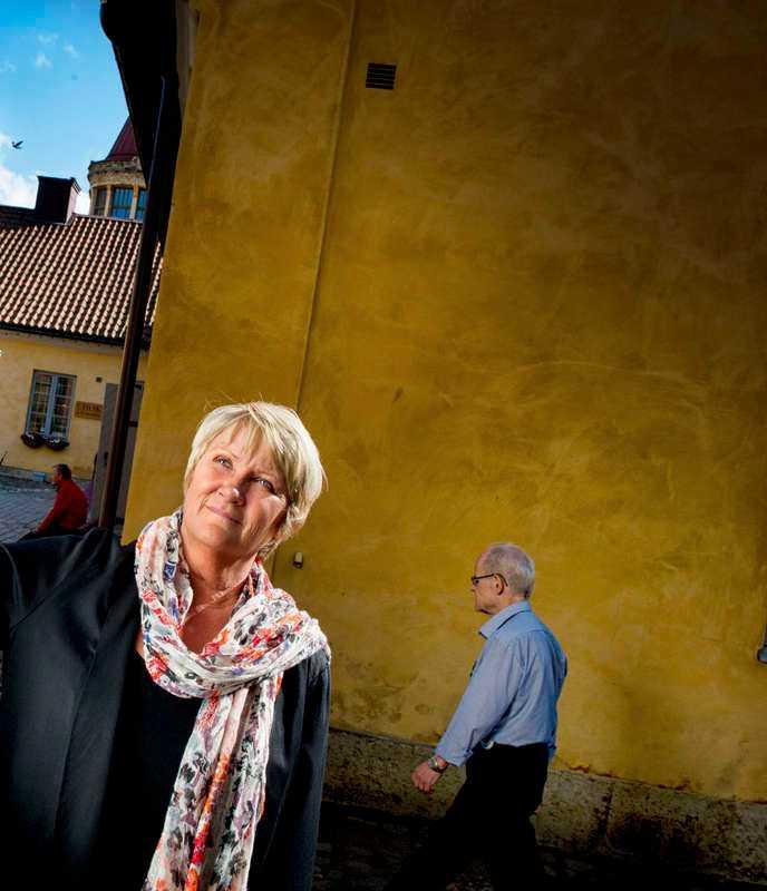Fastighetsdirektören Christina Johnsson bad bland annat byrån JKL om hjälp.