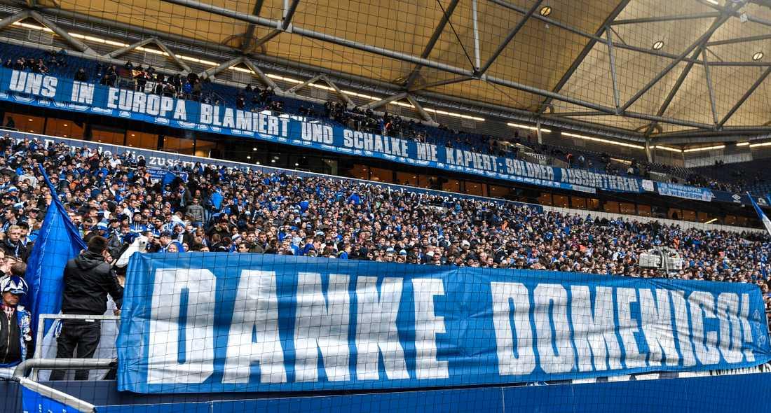 Schalkefansen under en Bundesligamatch i våras. Arkivbild.