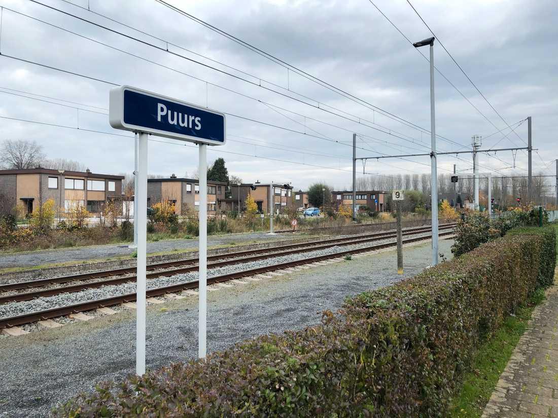 Småstaden Puurs ligger strategiskt, mellan hamnen i Antwerpen och flygplatsen i Bryssel och med goda bil- och järnvägsförbindelser.