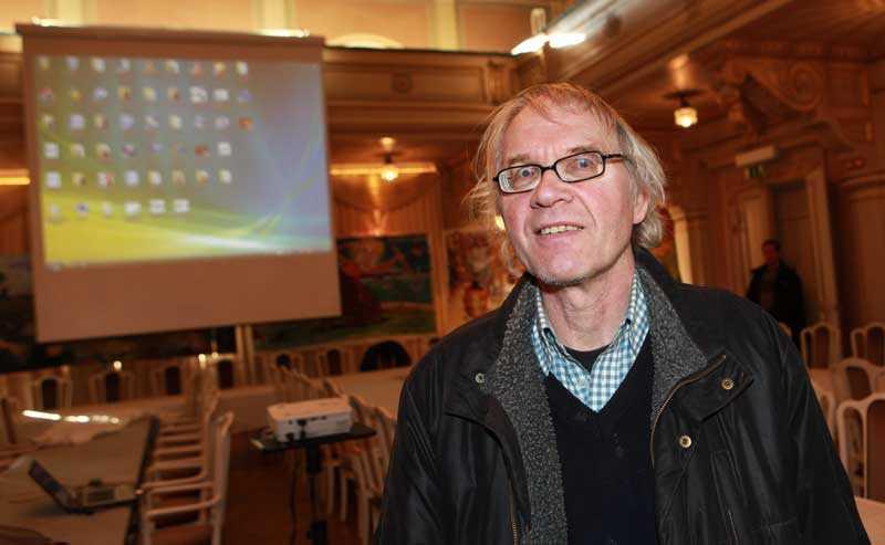Enligt uppgift till Aftonbladet har byggnaden sökts igenom av bombhundar inför Lars Vilks besök.