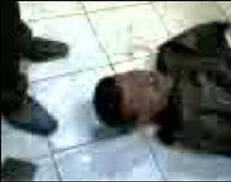 2007 spreds en mobilfilm där polisen brutalt misshandlar en man. Mubaraks hårdföra styre fick kritik långt utanför landets gränser.