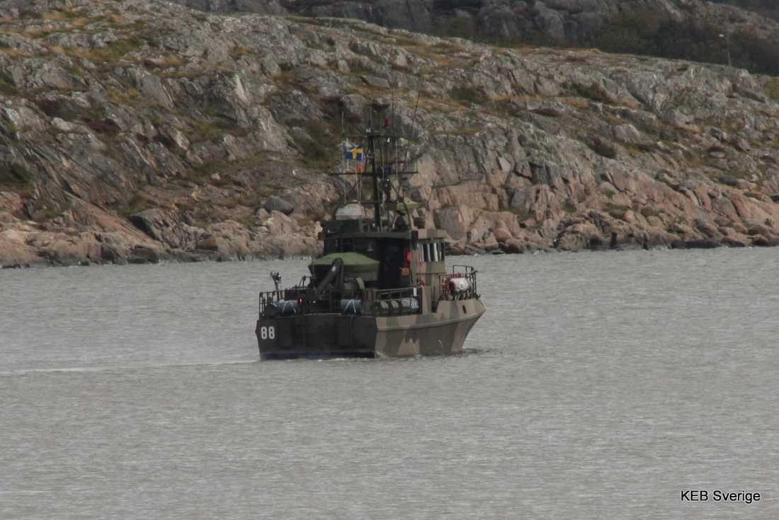 Försvarets bevakningsbåt HMS Rapp är på plats i Göteborg.