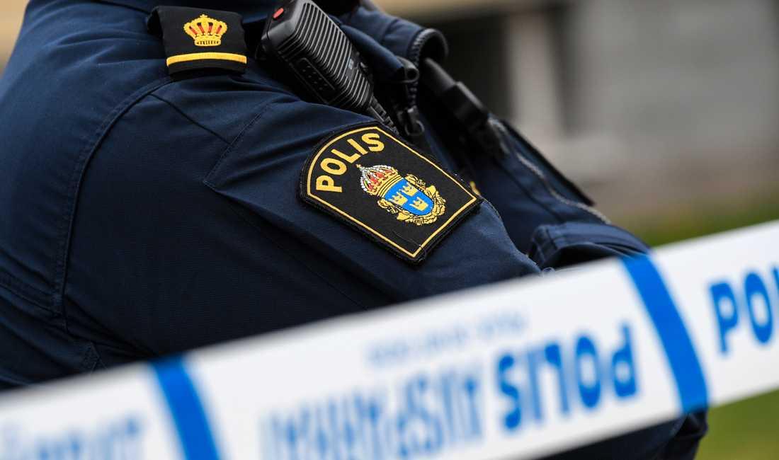 Polisen har inlett en utredning om hets mot folkgrupp efter att dockor hängts upp utanför en synagoga i Norrköping. Arkivbild.