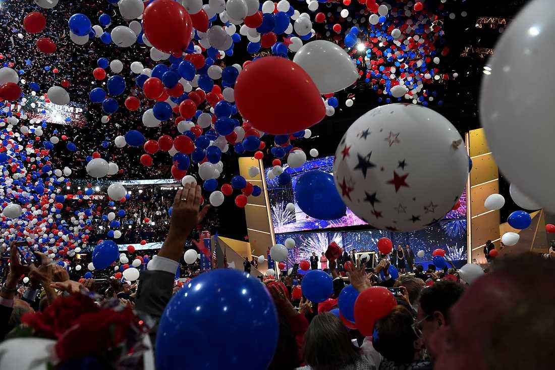 Stor ballongfest när Donald Trump höll sitt linjetal på konventet.
