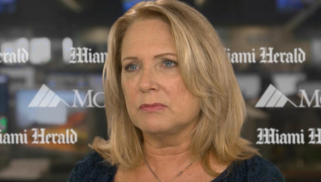 Julie K. Brown grävde upp överenskommelsen för Epstein.