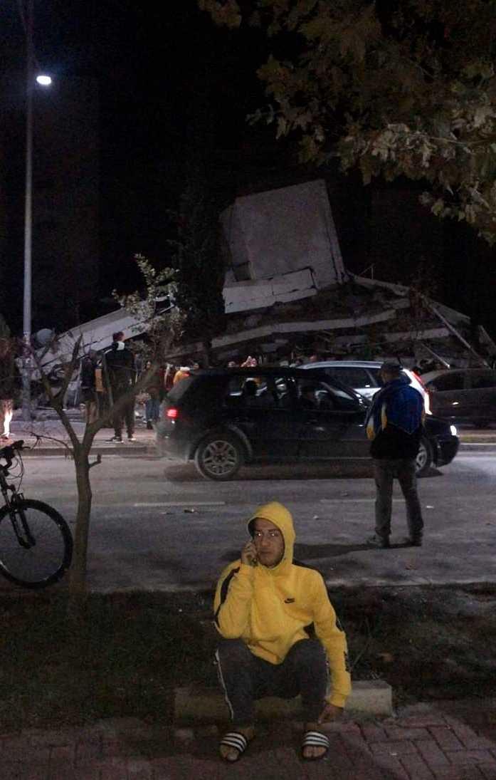 Minst 50 personer har skadats i ett jordskalv i Albanien.