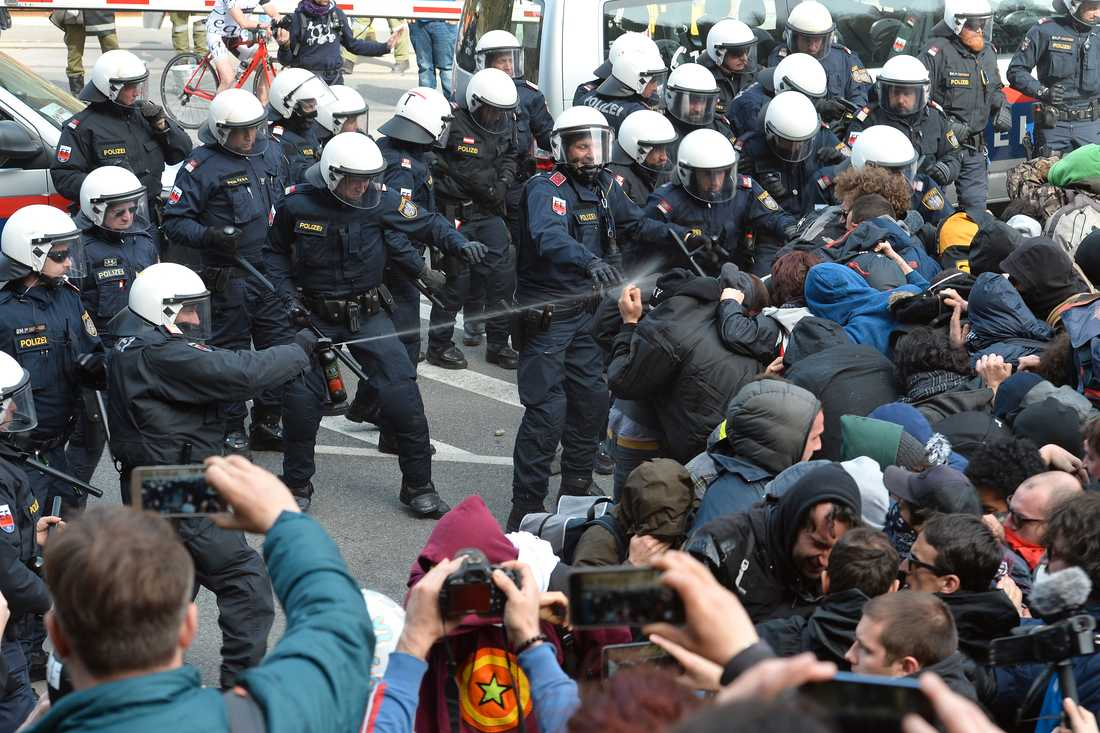 Protester vid gränsen mellan Italien och Österrike.