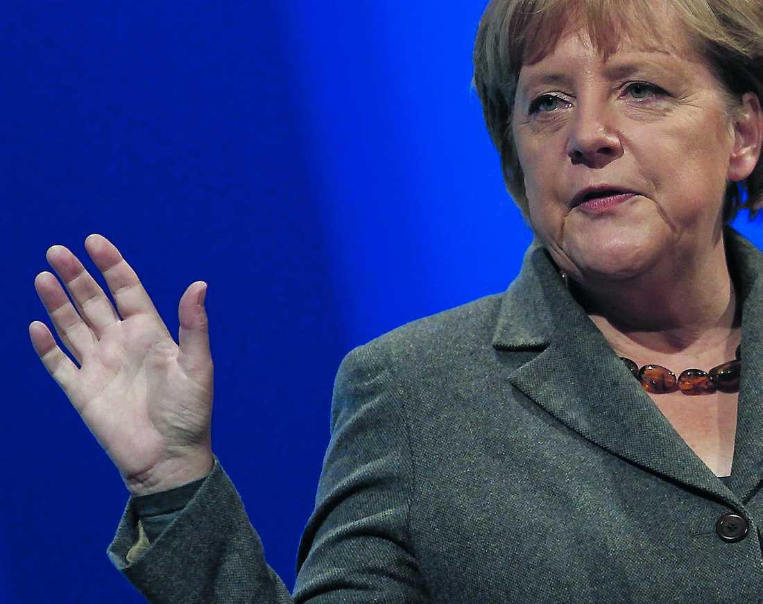 vill ha hårdare tag Tysklands förbundskansler Angela Merkel sa under sitt tal att integrationen har misslyckats totalt i landet.
