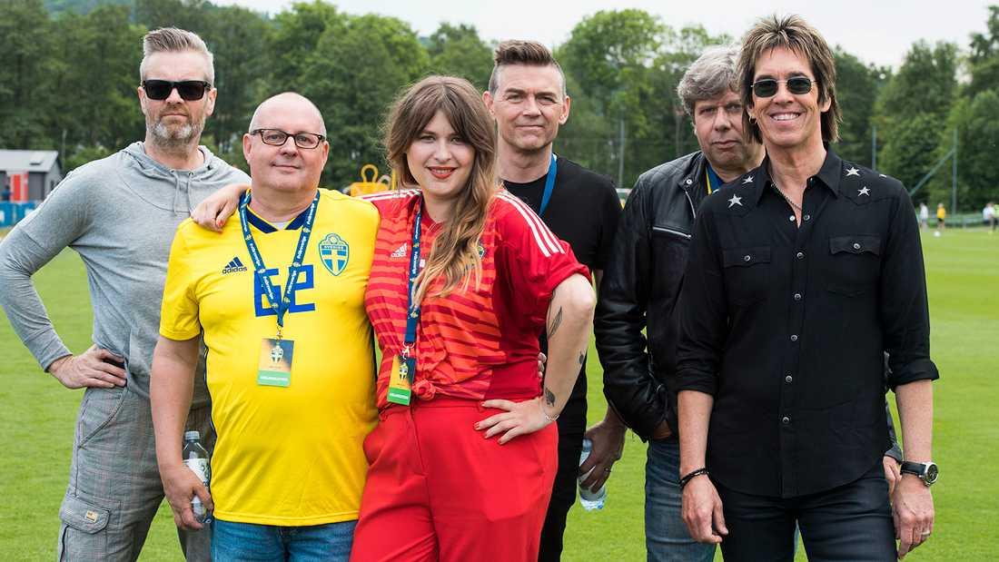 Gyllene Tider med Linnea Henriksson har gjort officiella VM-låten.