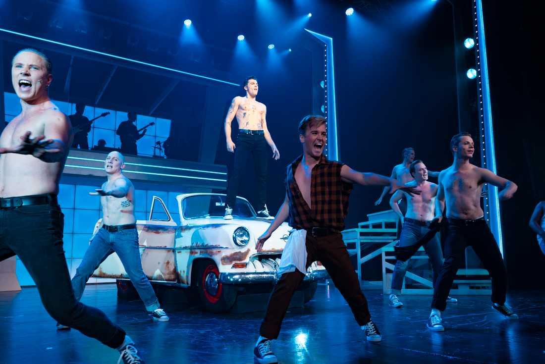 """Ur musikalen """"Grease"""" på Nöjesteatern i Malmö."""