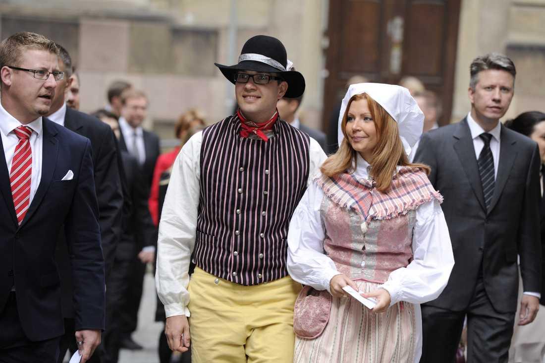 Jimmie Åkesson med Louise Erixon.