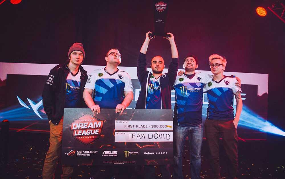 Team Liquid efter segern på DreamHack Winter. Foto: Felix Frank/ DreamHack