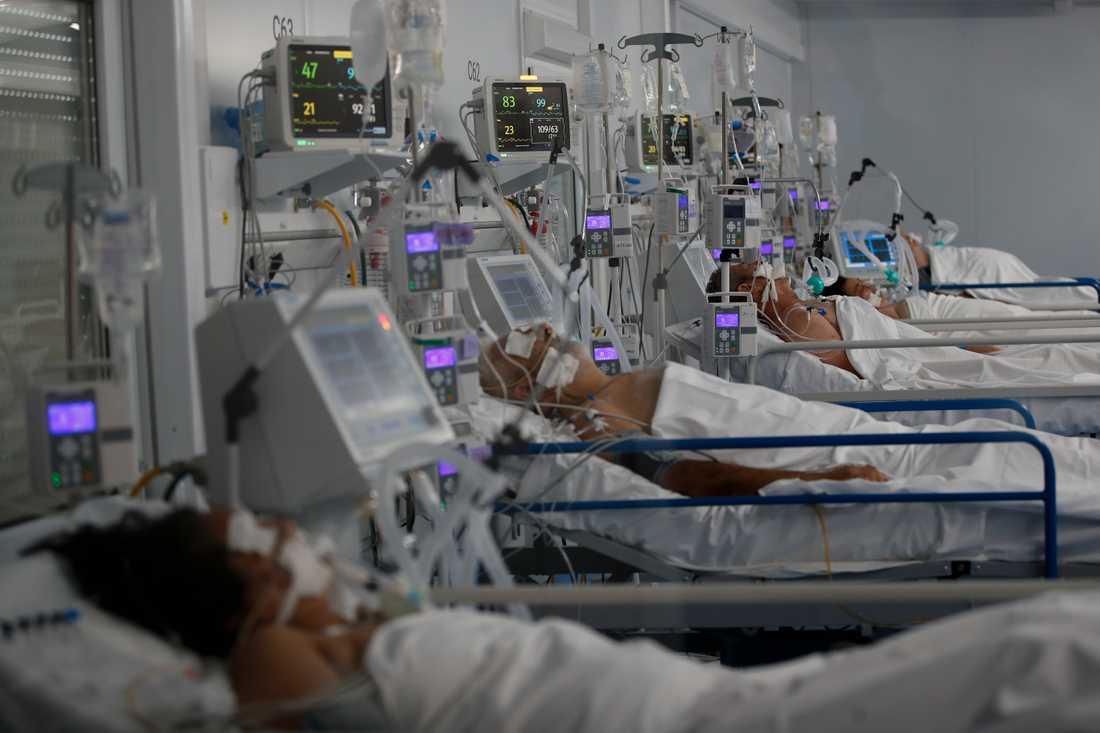 I pazienti Covid nel Dr.  Ospedale Norberto Raul Piacentini, Argentina.