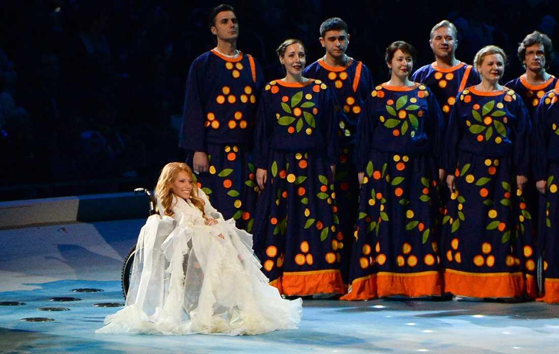 Medveten provokation? Julia Samojlova, som här uppträder under Sotji-OS 2014, portas från Eurovision för att hon uppträtt på Krim. Men Ryssland verkar ha förutsett bojkotten, då de inte bokat rum i Kiev.