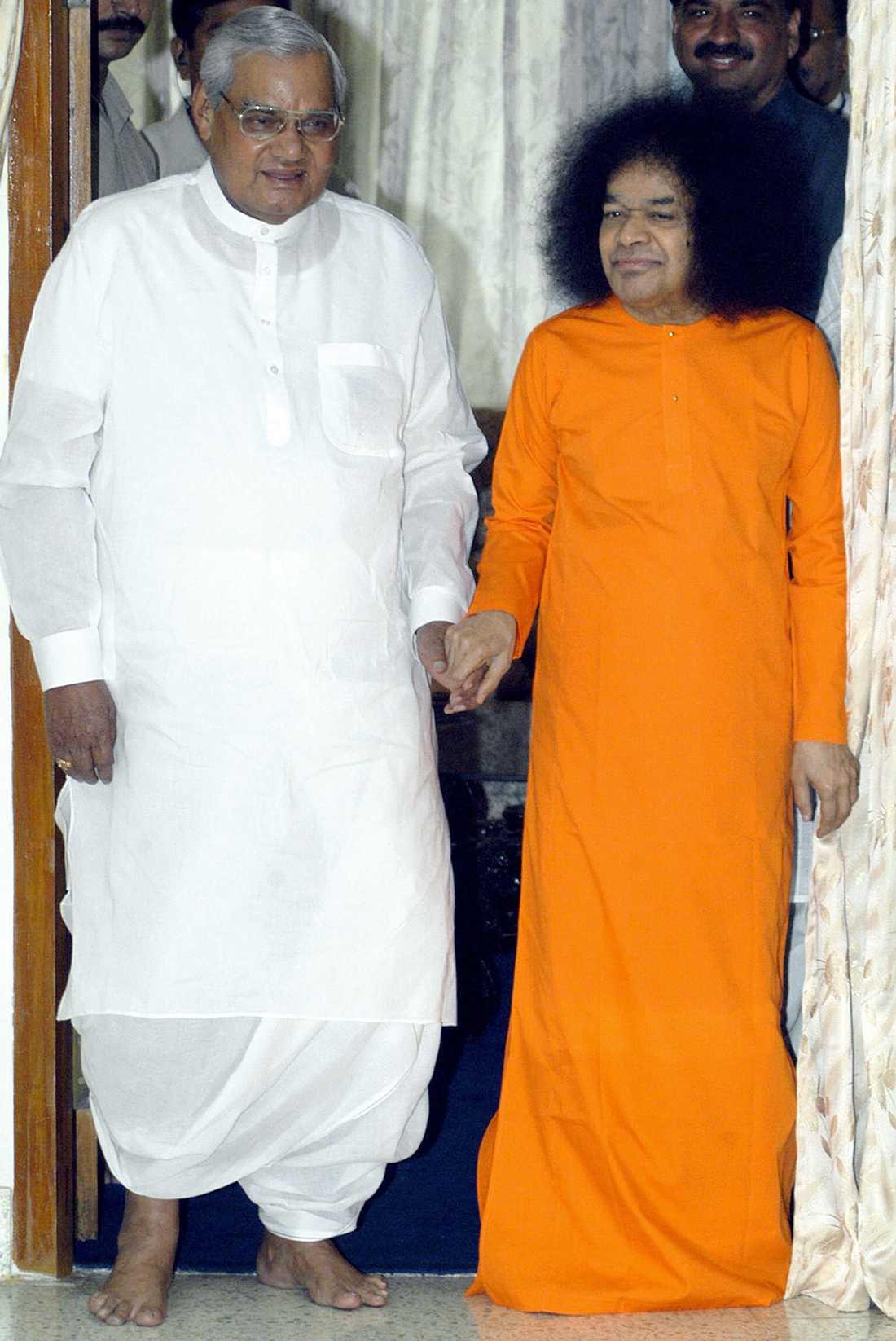 Förre indiske premiärministern Atal Bihari Vajpayee hörde till kändisguruns miljontals anhängare.