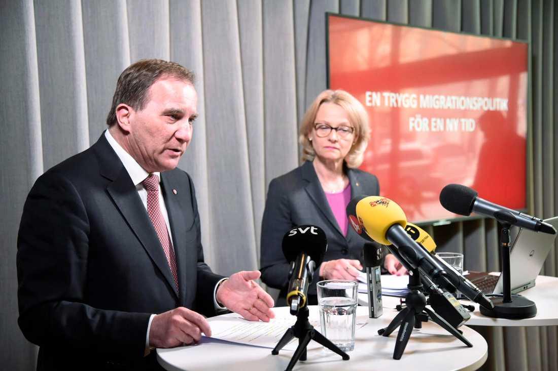 Socialdemokraternas partiledare Stefan Löfven och migrationsminister Heléne Fritzon (S) presenterar partiets inriktning för migrationspolitiken.