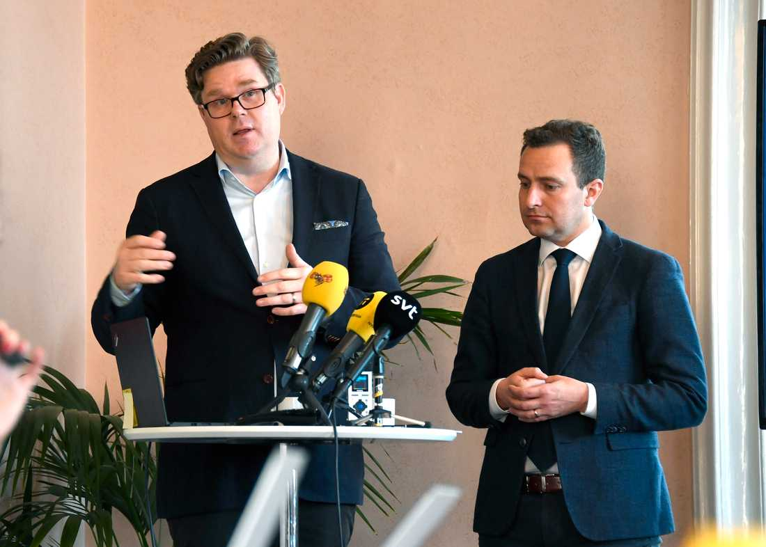 Moderaternas Gunnar Strömmer och Tobias Tobé presenterar partiets förslag om tiggeriförbud.