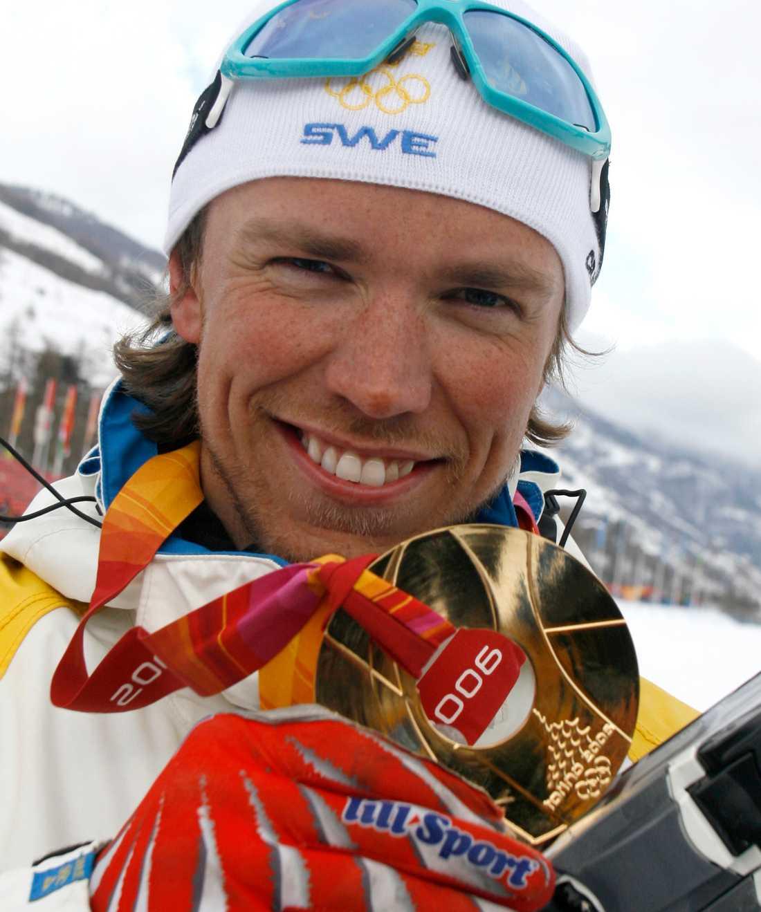 OS-gulden har Björn Lind gömt undan hemma hos föräldrarna.