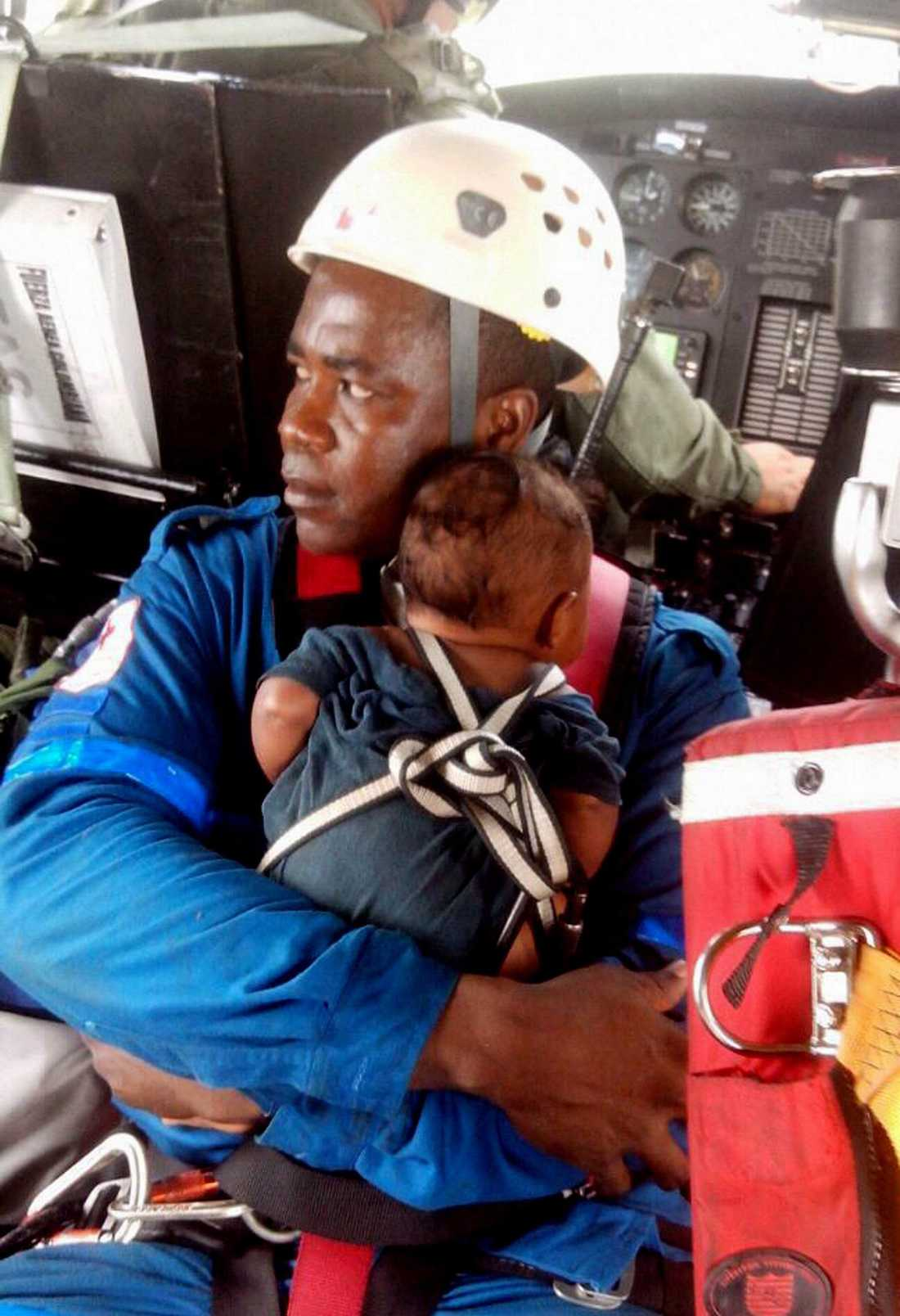 Nellys lilla son Yudier Moreno hittades nära det tvåmotoriga Cessna-planet.