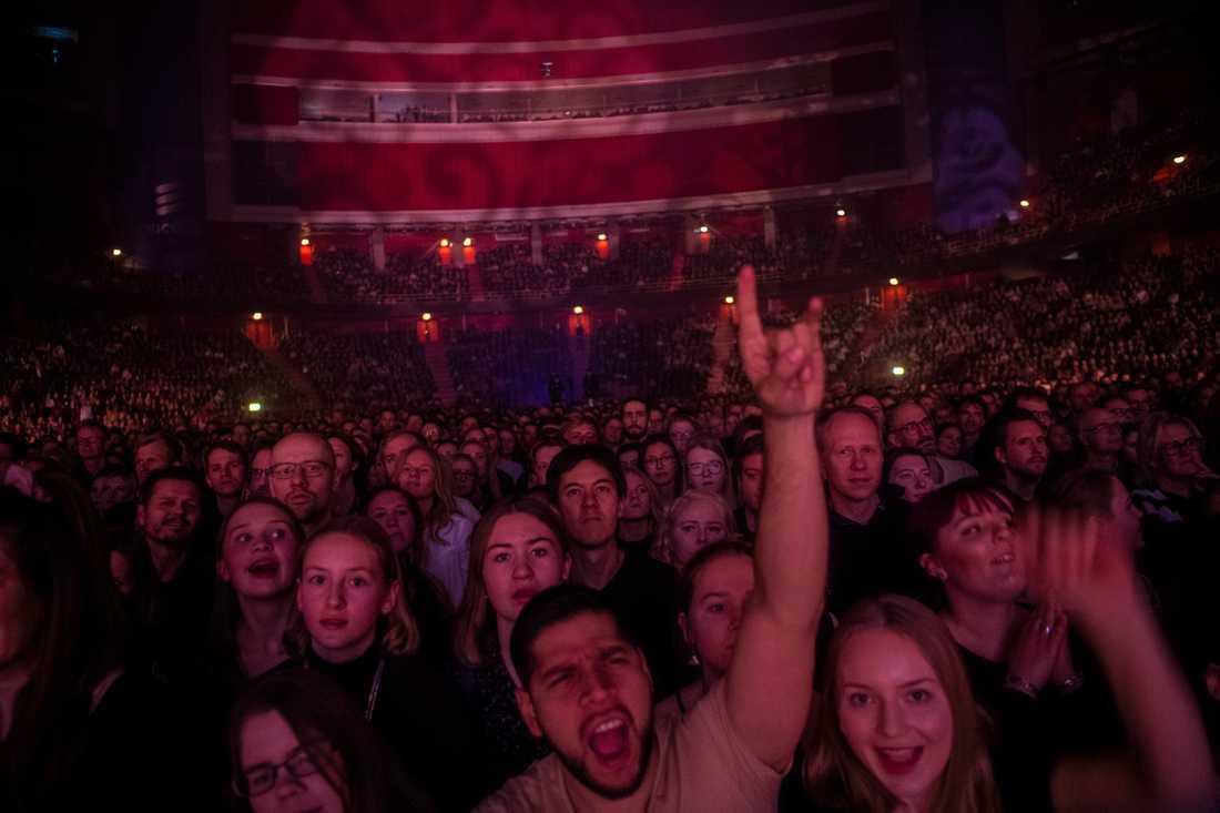 11 000 fans såg First Aid Kits första Globen-konsert.