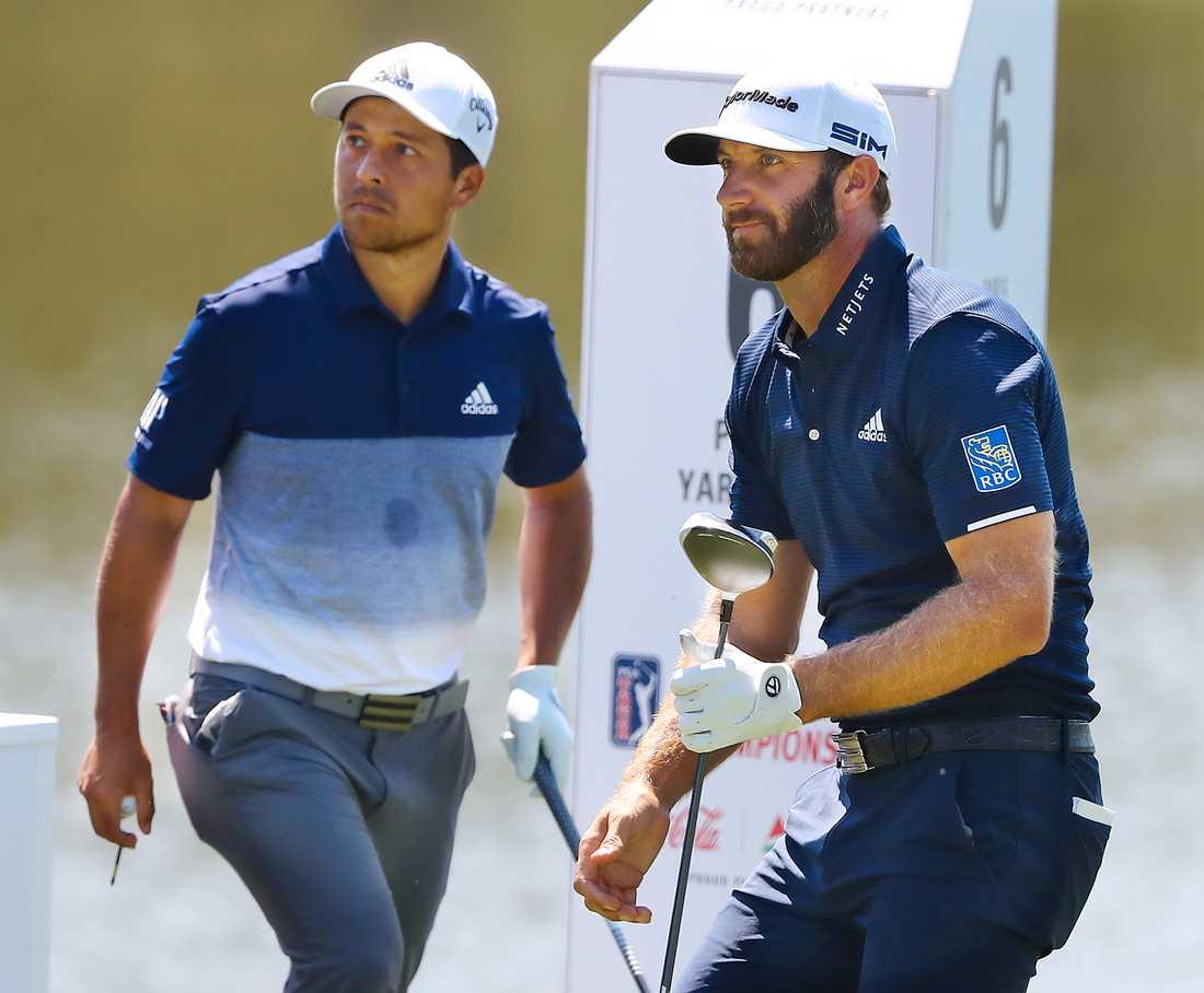 Dustin Johnson (till höger) vann PGA-tourens slutspel.