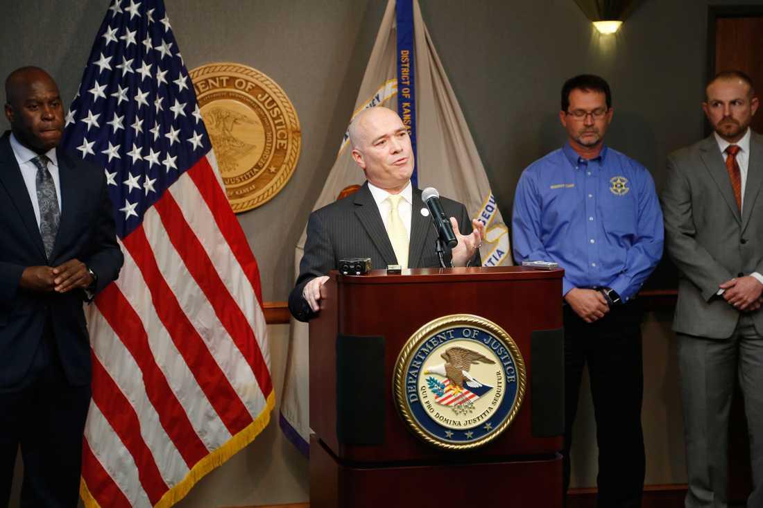 Den federala åklagaren Tom Beall meddelade på fredagen att man till följd av en stor utredning kunnat förhindra inhemsk terrorism.