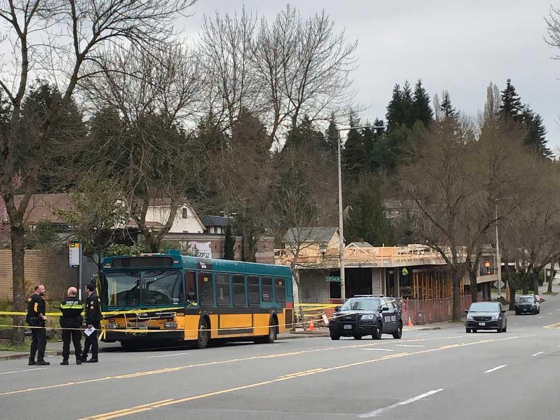 Utredare på plats efter en skjutning i Seattle.