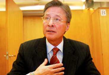Talar ut i tv I ett politiskt test visar sig socialdemokraternas förre näringsminister Björn Rosengren ha väldigt moderata tankar.