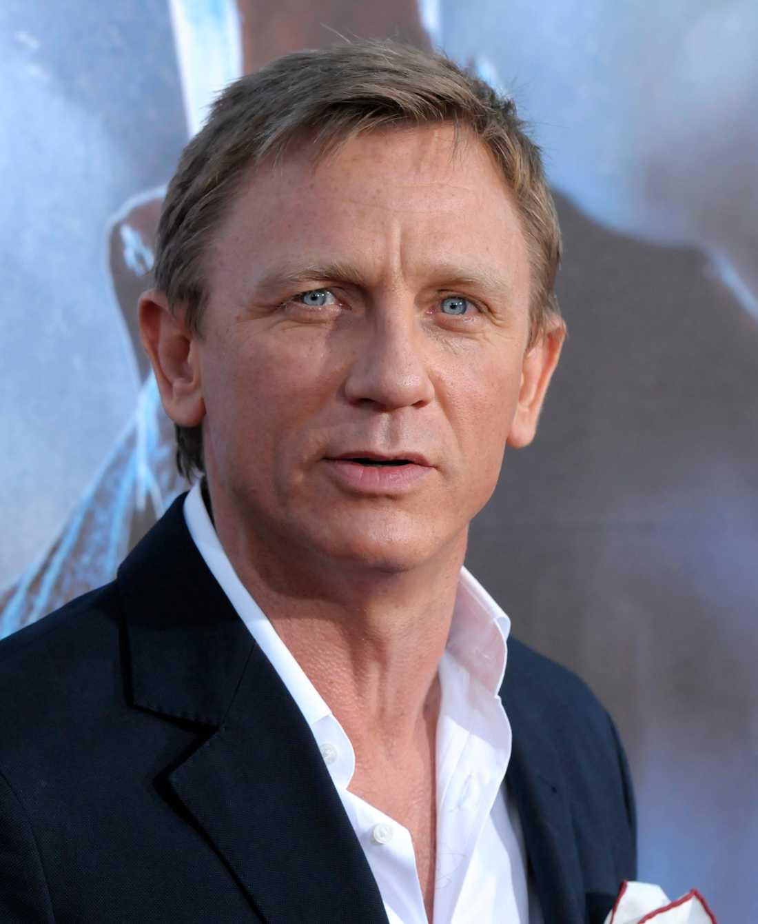 BOND Daniel Craig.