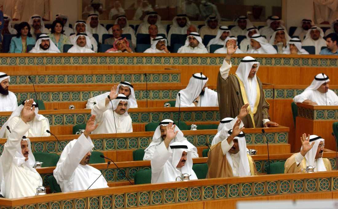 Kuwaits parlament röstade 2005 för att tillåta kvinnor att ställa upp i och rösta i val. Arkivbild.