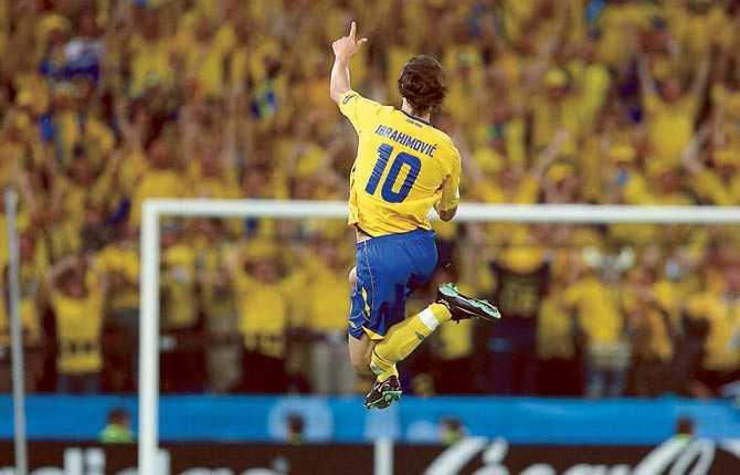 Ett av många klassiska mål - och en klassisk målgest, efter 1-0-målet mot Grekland i EM-premiären 2008.