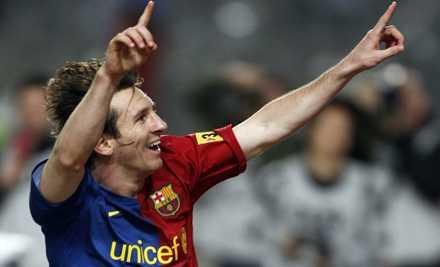 Messi avgjorde ett stökigt Barcelona-derby.