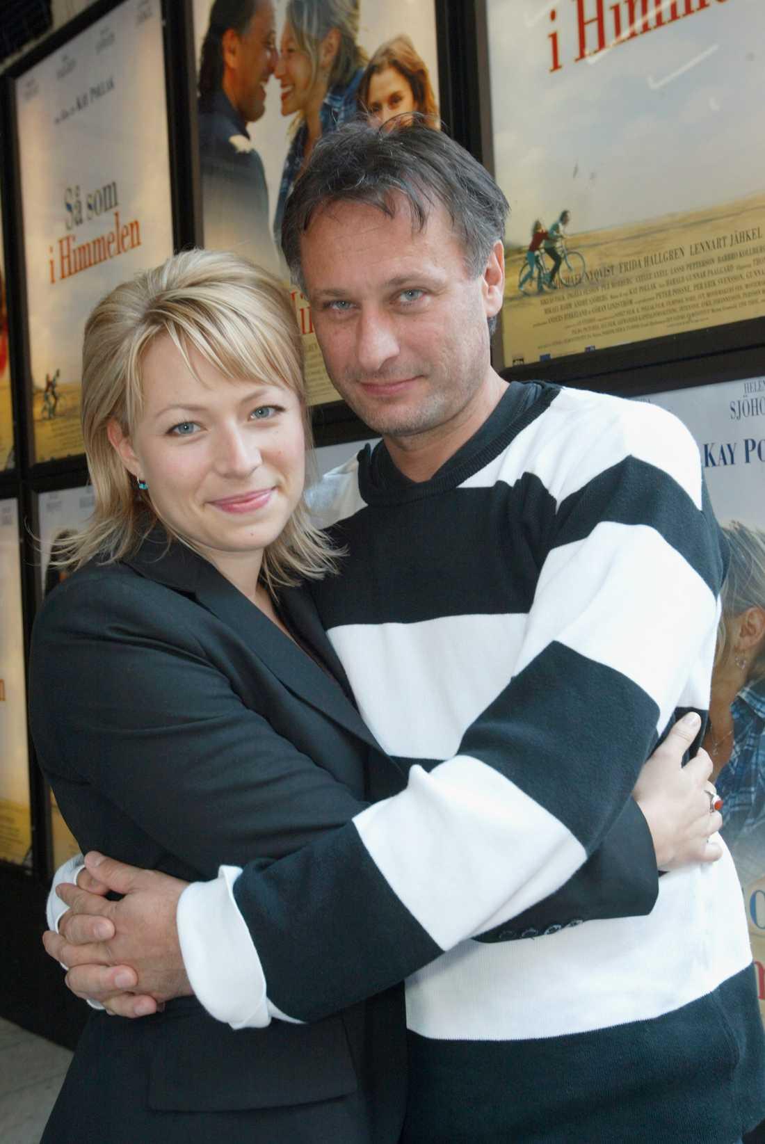 """Frida Hallgren och Michael Nyqvist spelade huvudrollerna i Kay Pollaks film """" Så som i himmelen""""."""