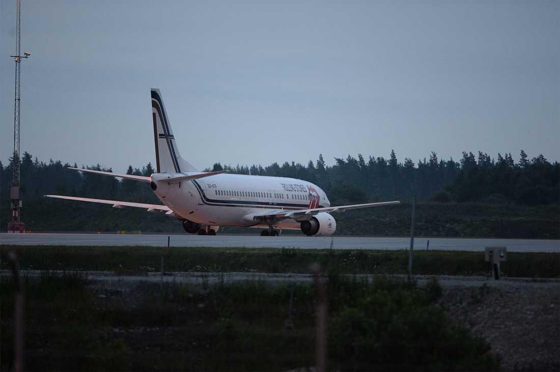 Strax efter klockan 18.00 i dag landade Rolling Stones privatplan, en Boeing 767, på Arlanda.