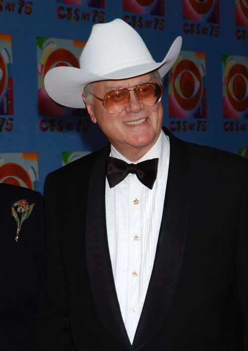 JR i dag Larry Hagman i cowboyhatt vid CBS 75-årsjubileum.