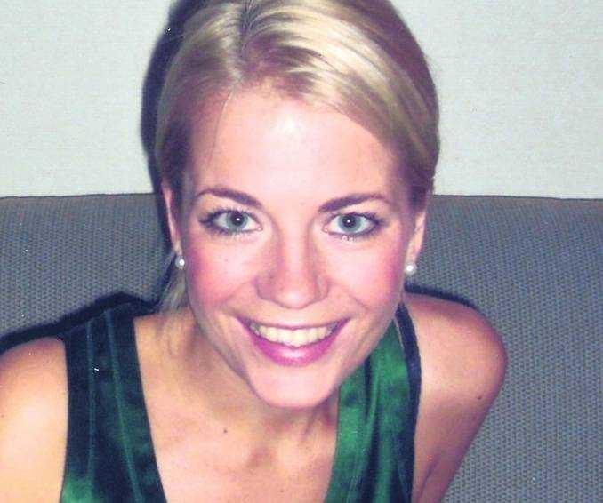 Christina Hedlund före bröstoperationen.