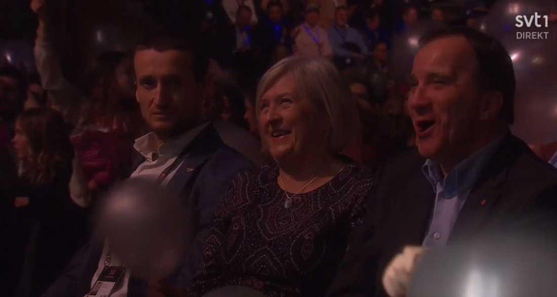 Stefan och Ulla Löfven i publiken.