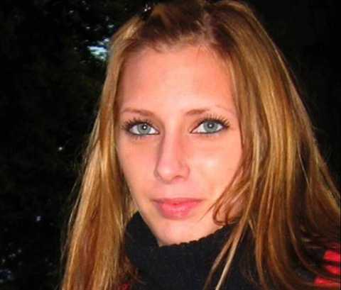 MÖRDAD I BILEN  Trez West Persson satt i passagerarsätet på en Renault tillsammans med en vän när hon sköts till döds. Hon blev det tredje mordoffret i den serie skjutningar som Peter Mangs åtalas för.