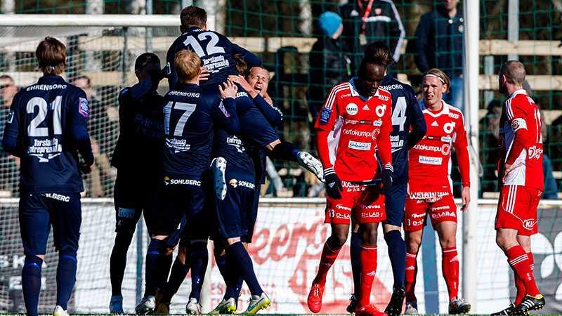 Utsiktens spelare jublar efter 2-0.