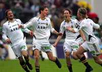 AIK-JUBEL AIK-spelarna jublar efter att Kristian Haynes skjutit 2–0 på frispark.