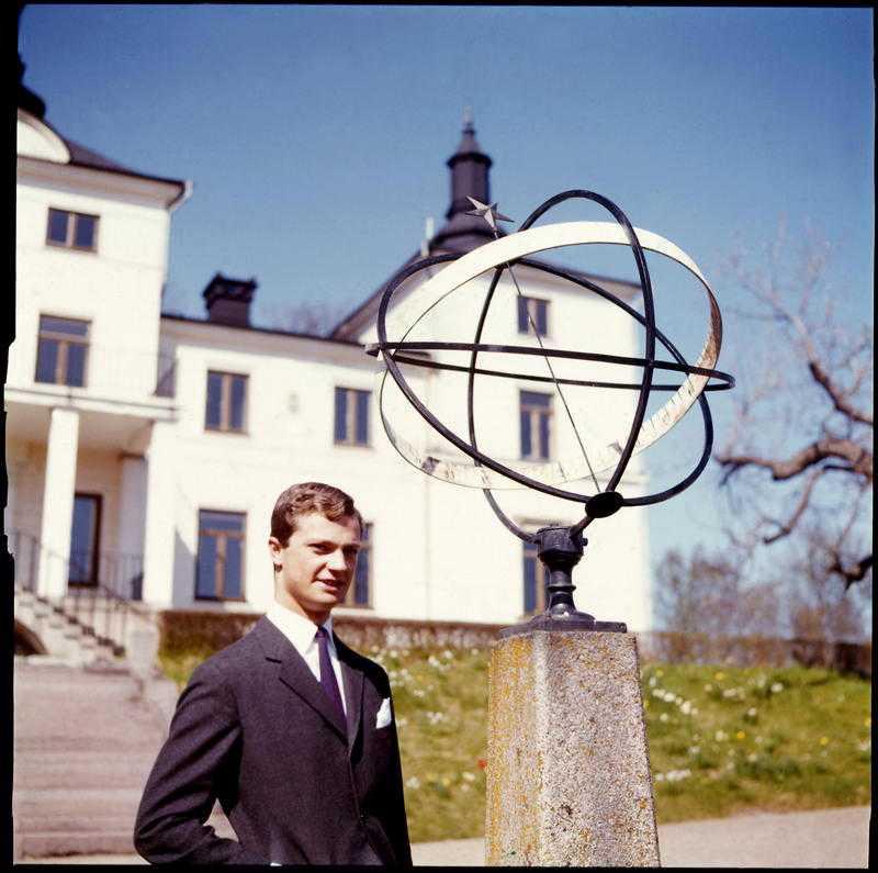 GAMLA ANOR Kungen har arrenderat Stenhammars slott i 50 år. Här syns han vid slottet 1966.