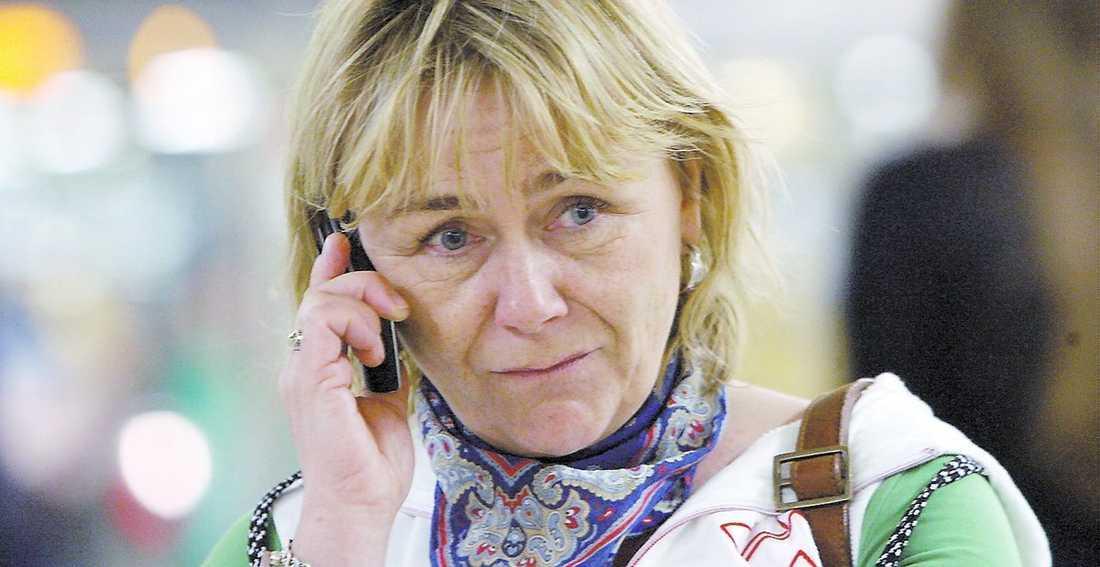 """Vill vänta – trots utredning Beatrice Ask lät förre Säpo-chefen Anders Eriksson utreda polisens spaning. Nu när hans förslag är presenterat vill hon ändå vänta med en proposition. """"Jag vill ha bättre underlag"""", säger hon."""