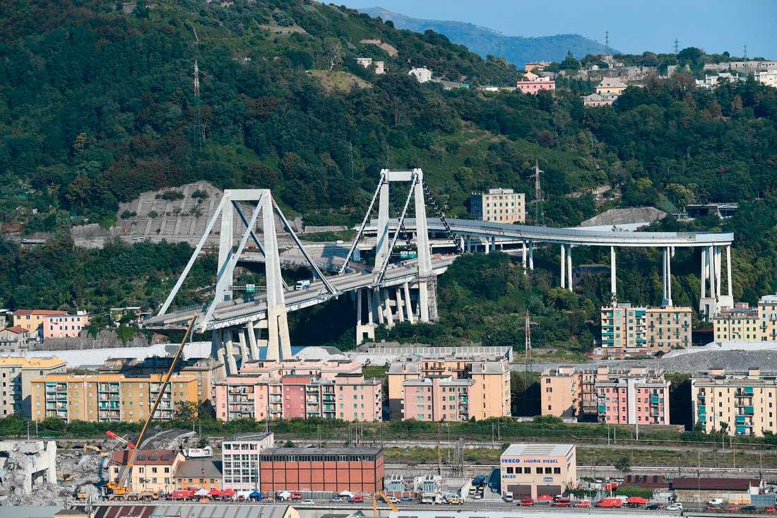 43 människor omkom när en stor del av Morandibron i Genua kollapsade den 14 augusti.