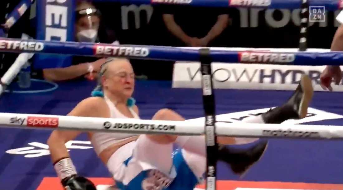 Maria Lindberg knockades i kvällens titelmatch.