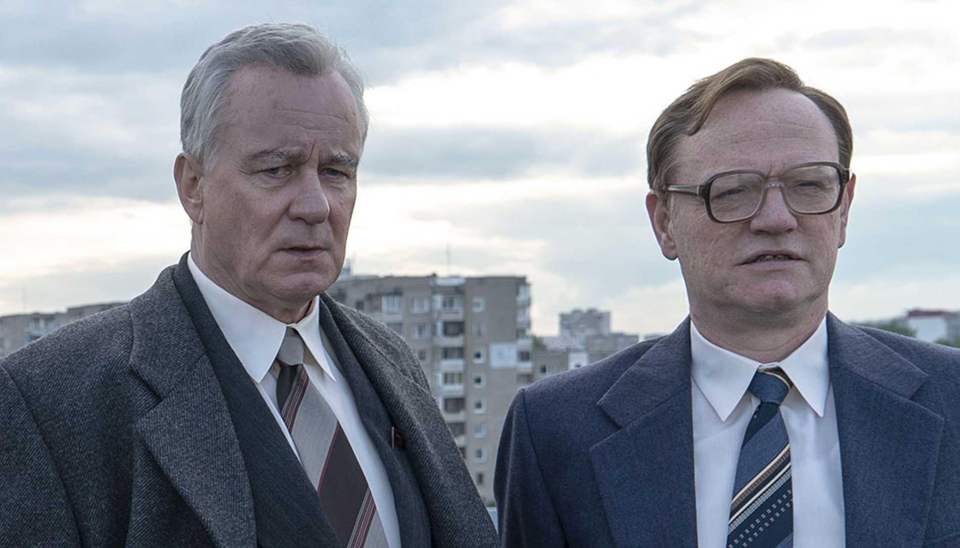 """Stellan Skarsgård och Jared Harris i """"Chernobyl"""" har fått varsinn skådespelarnominering till Emmygalan."""