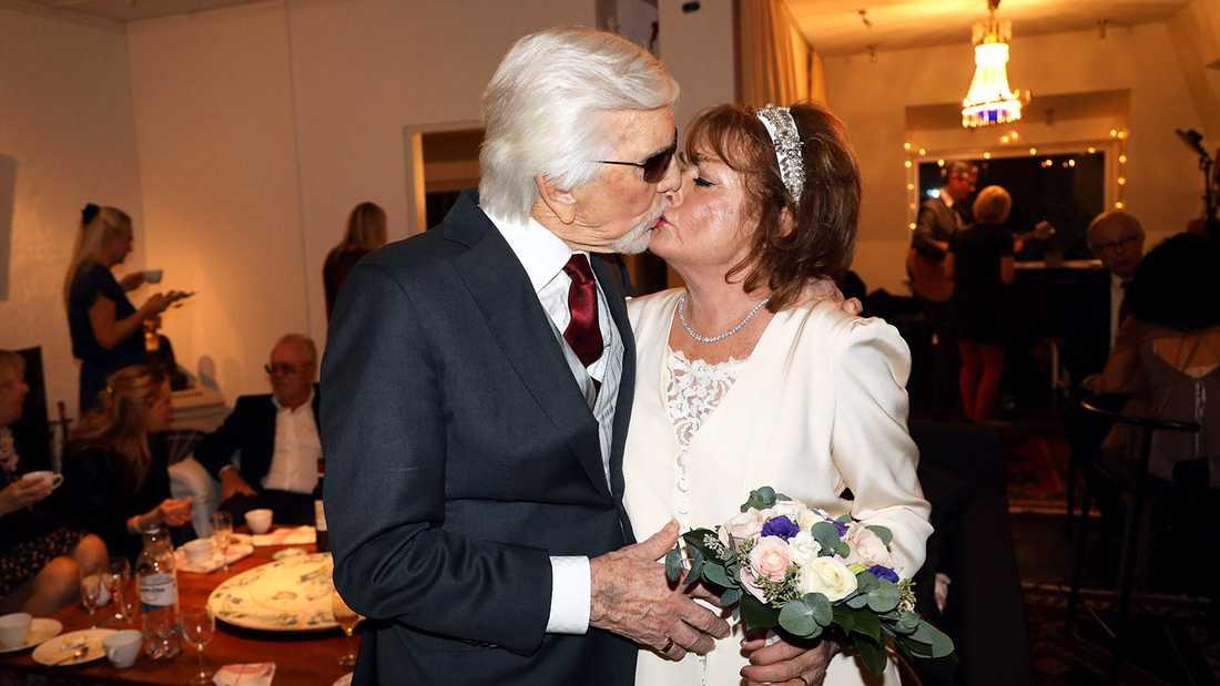 Owe Thörnqvist och Berit Gullberg gifta efter 35 år tillsammans.