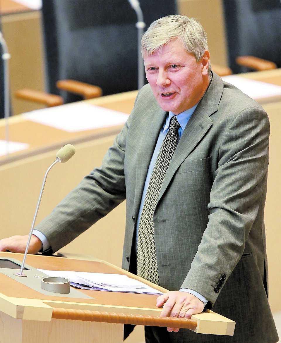 Lars Ohly (V).