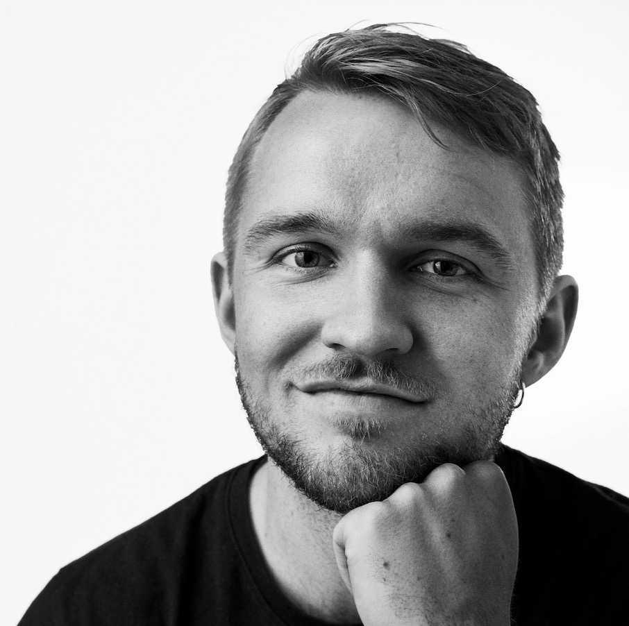 Mårten Granlund, 23, vill att Under Kevlaret ska vara en positiv kraft för killar.