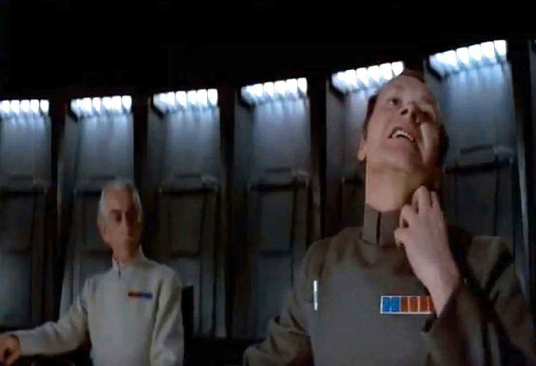 I den klassiska scenen lär sig Admiral Motti att man inte ska mucka med en Sith.