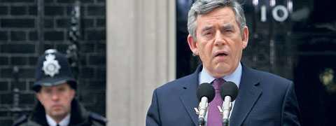 lämnar sin post Gordon Brown meddelade i går att han avgår som partiledare för Labour. Detta öppnar upp för nytt tänk och ny regeringsform i Storbritannien.